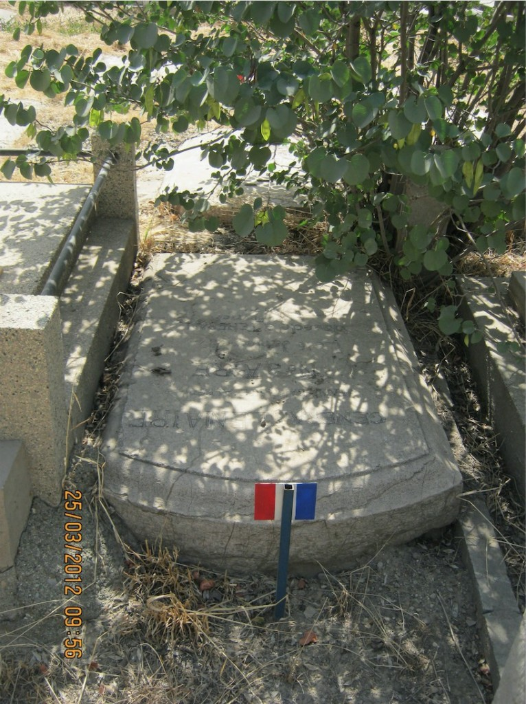 La tombe d'Alfred Jean-Baptiste Lemaire, au cimetière de Doulas, à Téhéran.