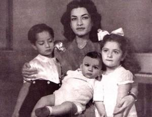 Ashraf Pahlavi avec ses enfants