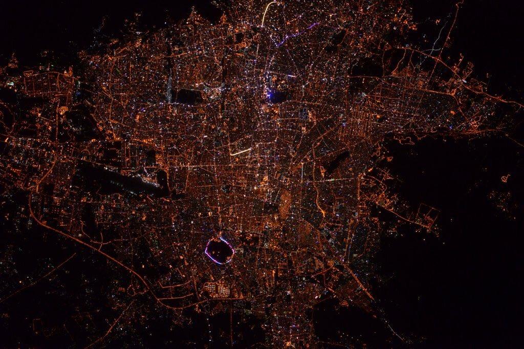 Téhéran la nuit