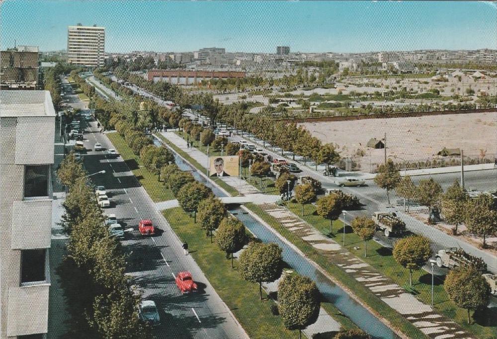 Le boulevard Keshavarz.