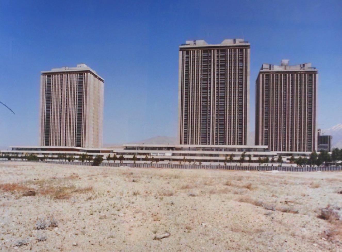 «Les jardins de Vanack», Téhéran, Iran, 1970‐1976, par l'architecte français Jean Dubuisson.