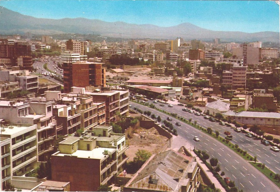 Le boulevard Karim Khân Zand