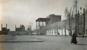 La place Naghsh-e Jahân-en 1930.
